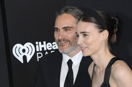 Joaquin Phoenix y Rooney Mara en el estrenos de 'Joker' en Hollywood, un año antes de ser padres.
