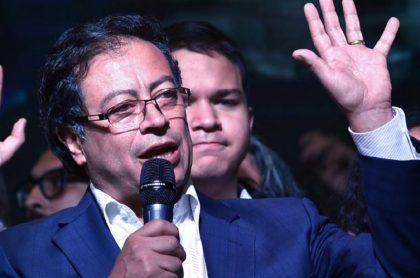 Imagen de Gustavo Petro, quien preguntó por qué no se hizo debate en 2018 en Colombia