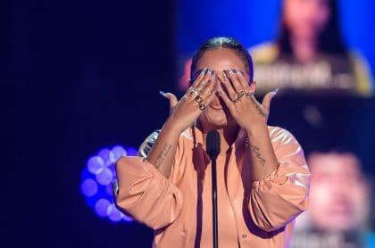 Karol G, quien celebró sus nominaciones a los Latin Grammy, en los Premios Juventud 2020.
