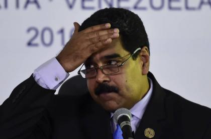 EE.UU. ofrece recompensa por dos exministros de Nicolás Maduro, que aparece en rueda de prensa tras la cumbre del Movimiento de Países No Alineados en Porlamar, Isla Margarita, Venezuela, en 2016.