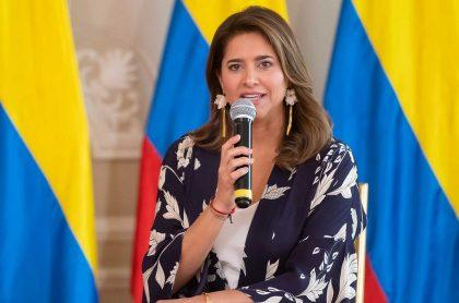 La Primera Dama de la Nación, María Juliana Ruiz, en ceremonia virtual de graduandos 2020.  Primera Dama habla sobre represión policial en protestas