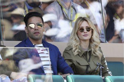 Falcao García y su esposa Lorelei Tarón, a quien le diagnosticaron coronavirus por error en su embarazo en 2020, en un partido de Rafael Nadal en 2019.