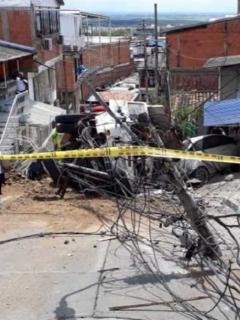 Imagen del accidente de una volqueta en Yumbo, Valle del Cauca, que deja tres heridos