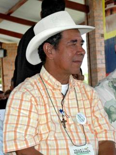 Imágenes de Ramón Isaza y Pablo Escobar para ilustrar nota sobre quién es 'El Viejo', sus delitos y la guerra con Escobar