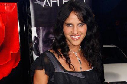 Paola Turbay, exreina que hizo versus de fotos suyas en bikini en 1993 y 2020, en la gala de 'Love In The Time Of Cholera' en 2007.