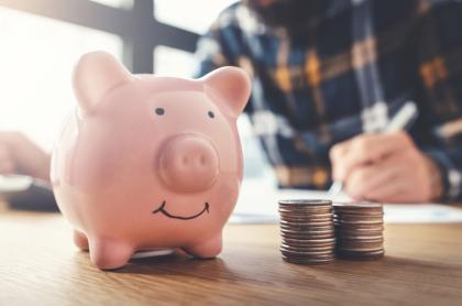 Foto de una alcancía ilustra nota sobre cómo ahorrar para alargar el sueldo.