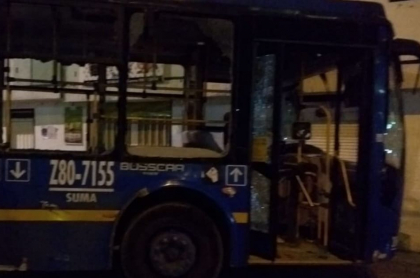 Bus del Sitp que se robaron en protestas en Bogotá: despiden de su trabajo a conductor del bus del Sitp con el que mataron a mujer en medio de disturbios en Bogotá.