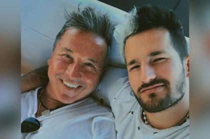 Foto de Ricardo y Ricky Montaner, a propósito de que el joven cantante se casa con Stefania Roitman