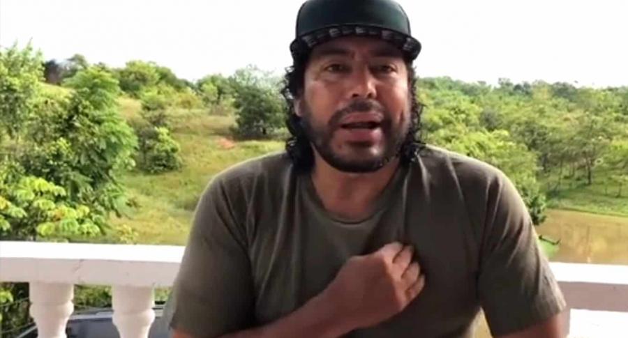 """René Higuita diciendo que tuvo fuerte dolor de corazón: """"Un quemoncito""""."""