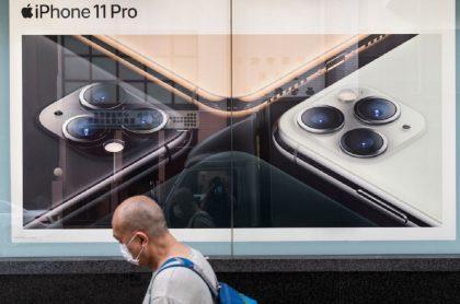 Anuncio de iPhone 11 en tienda de Apple: la batería de los iPhone rinde menos por cuenta de la última actualización de iOS 14.