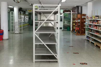 Uno de los supermercados Cootralcota, a propósito del cierre de sus puertas.