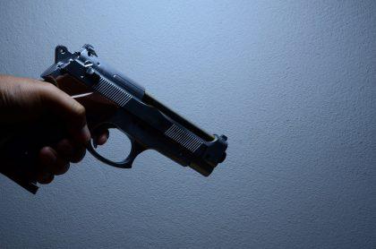 Imagen de pistola que ilustra nota de cuáles son los semáforosmáspeligrosos de Bogotá