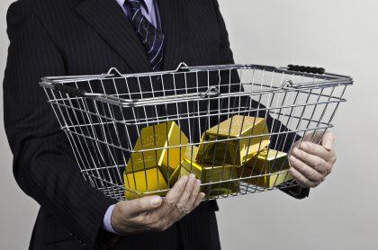 Lingotes de oro en canasta: el Banco de la República ha vendido cerca de 10 toneladas de oro en medio de la crisis.