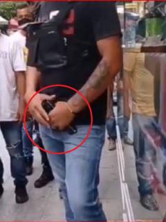 El hombre portaba un arma traumática y lesionó a cinco personas en Medellín