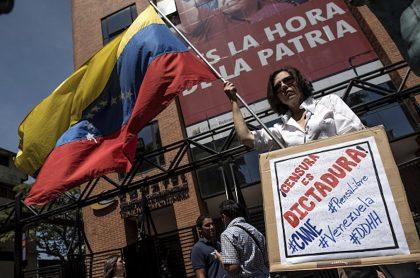 40 sitios de noticias en Venezuela sufren persecución de Maduro.