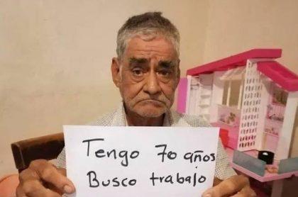 Con 70 años de edad, un anciano implora por un trabajo para completar 40 semanas y obtener su pensión.