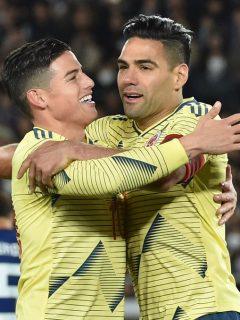 James y Rodríguez y Falcao García celebrando un gol con la Selección Colombia, Falcao pidió a colombianos que se cuiden en partido contra Venezuela por Eliminatorias