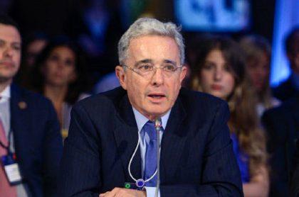 Imagen de Álvaro Uribe, a propósito del caso judicial que ha enfrentado en los últimos años.