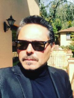 Foto de Lucho Velasco, que denunció negligencia médica en muerte de su padre