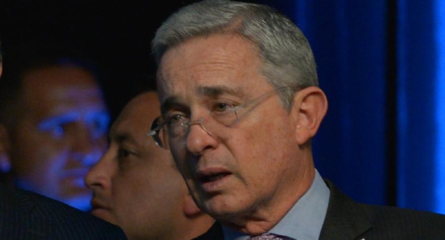 Álvaro Uribe Vélez, que se iba a pronunciar este domingo sobre su libertad, pero cancelaron