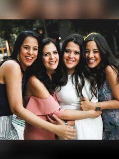 Foto de Wendy Orozco, Clara Cabello, Kelly Orozco y Lorraine Orozco, a propósito de que la hija mayor de Rafael Orozo está embarazada