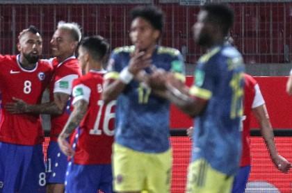 Lerma: gol y penal en contra en Chile-Colombia de Eliminatoria.