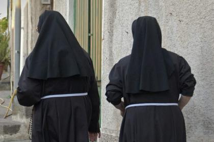Imagen que ilustra nota de monjas que renunciaron a sus votos y se enamoraron entre ellas