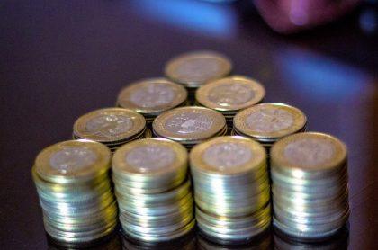 Dinero colombiano, a propósito de que los bancos vuelven a cobrarle a deudores, pese a que sigue la pandemia.