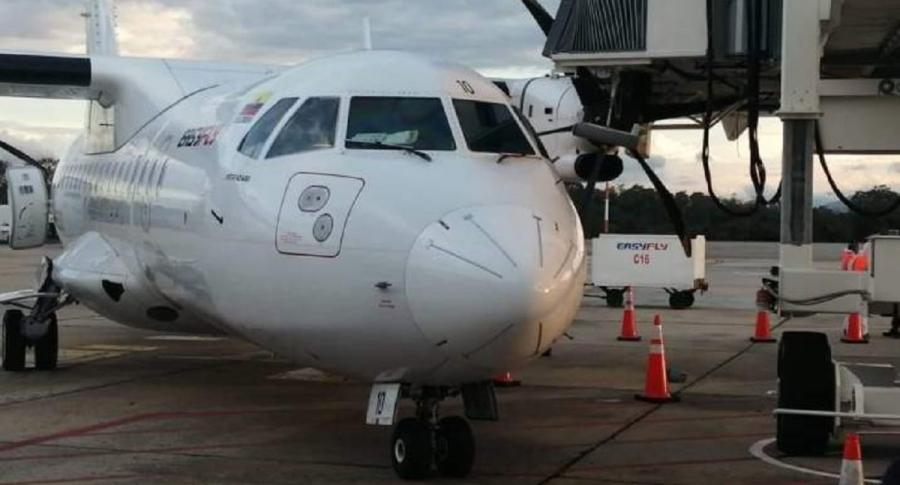 Un avión de la aerolínea Easyfly chocó con un túnel de abordaje este jueves 15 de octubre del 2020.