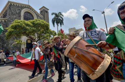 La minga indígena se dirige hacia Bogotá y arribaría este domingo 18 de octubre.