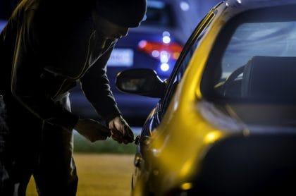 Imagen del robo de un carro, que ilustra nota: ¿Cuáles son los carros más robados en Bogotá?