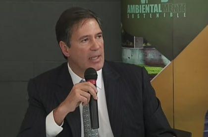 Fernando Sanclemente, exembajador investigado por narcofinca, dice que le inquieta giro que tomó caso en la Fiscalía