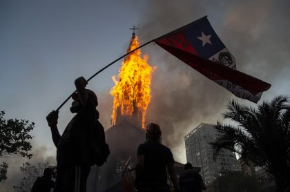 Jornada violenta de protestas en Chile, que dejó un muerto y más de 550 heridos