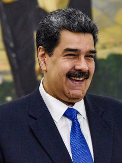 Nicolás Maduro en medio de un evento público en Caracas.