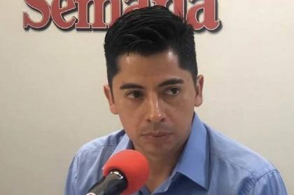 Ariel Ávila anunció su salida de Semana y dijo que le cancelaron su programa 'El Debate' y su participación en el canal