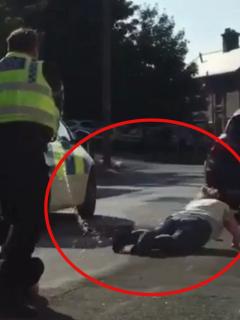 Captura de pantalla de policía que le disparó con un taser a una mujer embarazada, que luego perdió su bebé