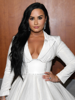 Foto de Demi Lovato, quien publicó pruebas de comunicación con ovnis