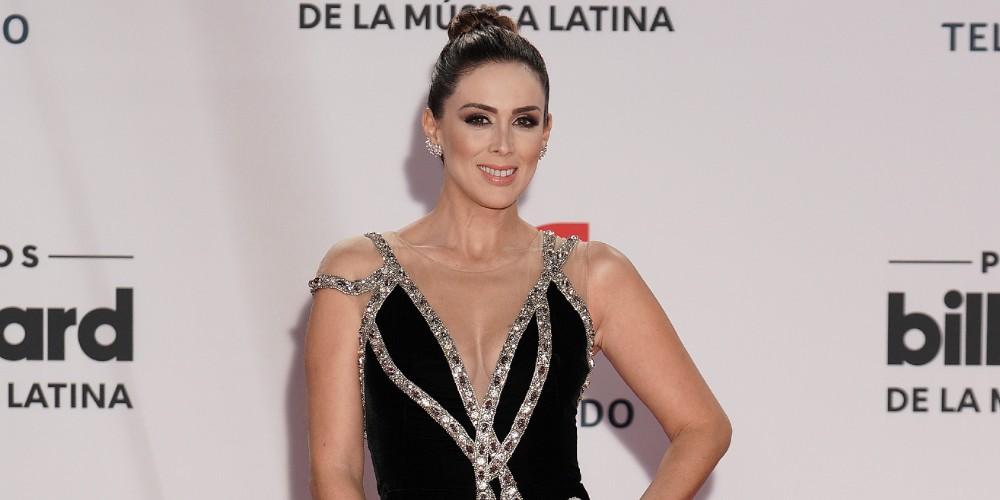 Jacqueline Bracamontes en los Latin Billboard 2020.