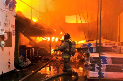 Bomberos de Bogotá controlaron la conflagración, pero afectó varias viviendas.