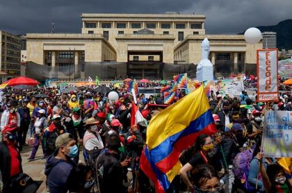 El paro nacional de este 21 de octubre cerró con la convocatoria de una nueva jornada de protestas dentro de un mes.