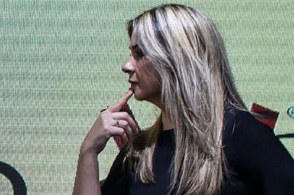 La periodista Vicky Dávila, contra quien el Tribunal Superior de Bogotá acaba de proferir un fallo, cuando entrevistaba al entonces candidato presidencial Iván Duque en 2018.