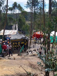 Imagen del lugar en que se adelantan trabajos para rescatar a mineros atrapados en Boyacá