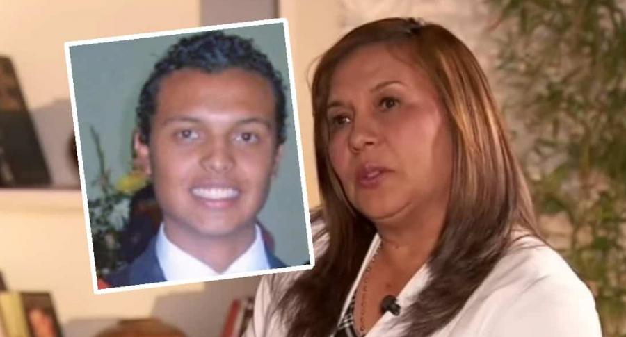 Luis Andrés Escobar y su mamá, Oneida Escobar, que insiste en que a su hijo lo mataron. (Fotomontaje de Pulzo)