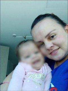 La madre dijo que su bebé murió en un hospital en Bogotá, el jueves en la tarde, esperando el medicamento