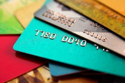 Tarjetas de crédito, a propósito del número de cuotas al cual se deben diferir las cuotas.