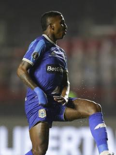 Johan Arango jugó con Binacional de Perú contra Sao Paulo, por la Copa Libertadores.