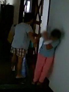 Marichu Mauro, embajadaro de Filipinas en Brasil, fue captada por una cámara seguridad agrediendo a empleada doméstica.