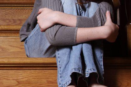 Imagen que ilustra nota de la captura de mujer que grababa pornografía infantil con sus hijas