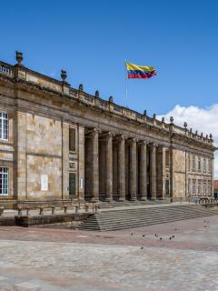 Congreso de Colombia. Ciudadanos con posgrado prefieres la izquierda sobre la derecha