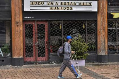 Uno de los múltiples locales que tuvieron que cerrar en Bogotá durante la pandemia de COVID-19.